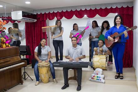 Contamos con profesores calificados en música y artes para nuestra Academia Margarita Campo Vives